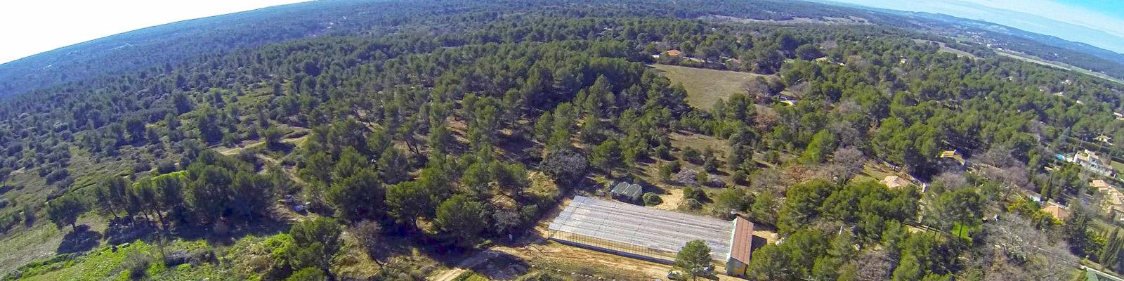 Vue aérienne de la ferme aquacole